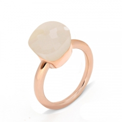 LLATO NUDO ™ Ring IN ROSE GOLD WITH LIGHT PINK QUARTZ