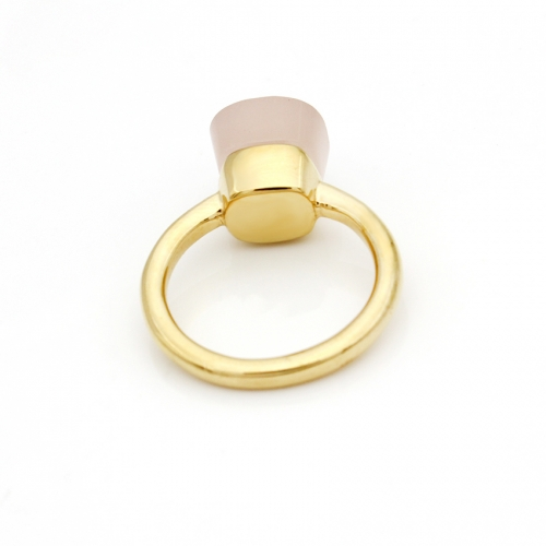 LLATO NUDO ™ Ring IN 18K GOLD WITH LIGHT PINK QUARTZ