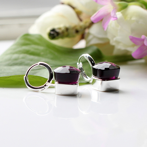 LLATO NUDO ™ EARRINGS IN 925 STERLING SILVER WITH AMETHYST