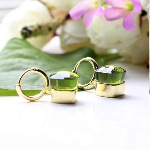 LLATO NUDO ™ EARRINGS IN 18K GOLD WITH PRASIOLITE