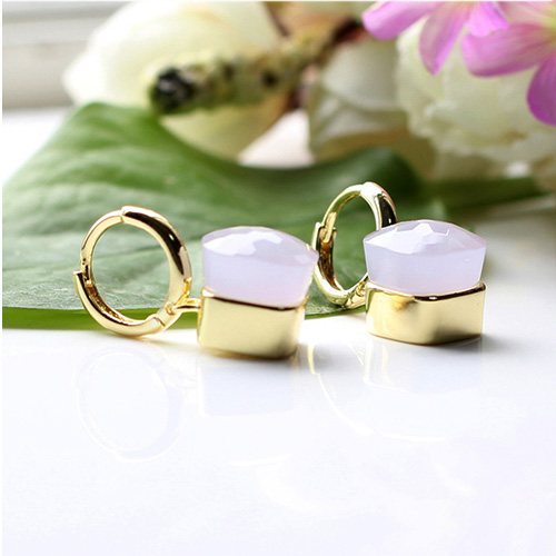 LLATO NUDO ™ EARRINGS IN 18k GOLD WITH JADE LAVANDE